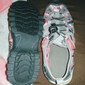 Woman's water shoes, sandles size 8